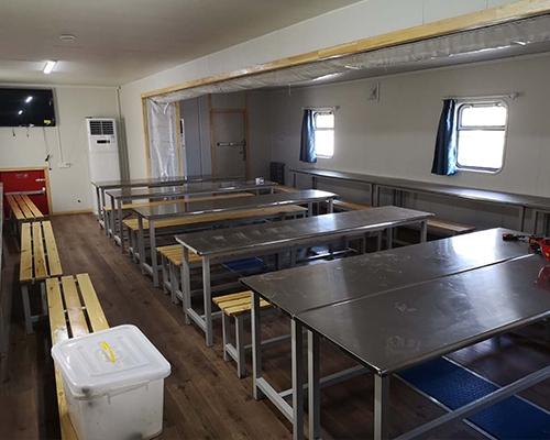 野营房食堂